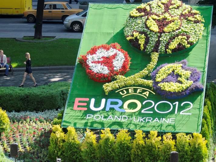UEFA acorda troca de informações com Interpol