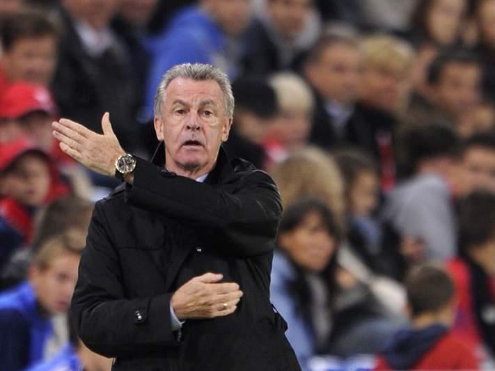 Ottmar Hitzfeld castigado por dirigir gestos ofensivos contra árbitro