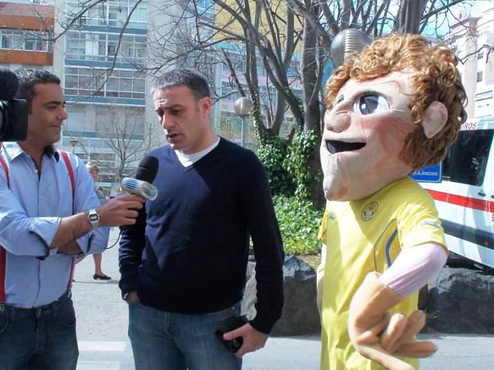 Paulo Bento anima crianças no IPO