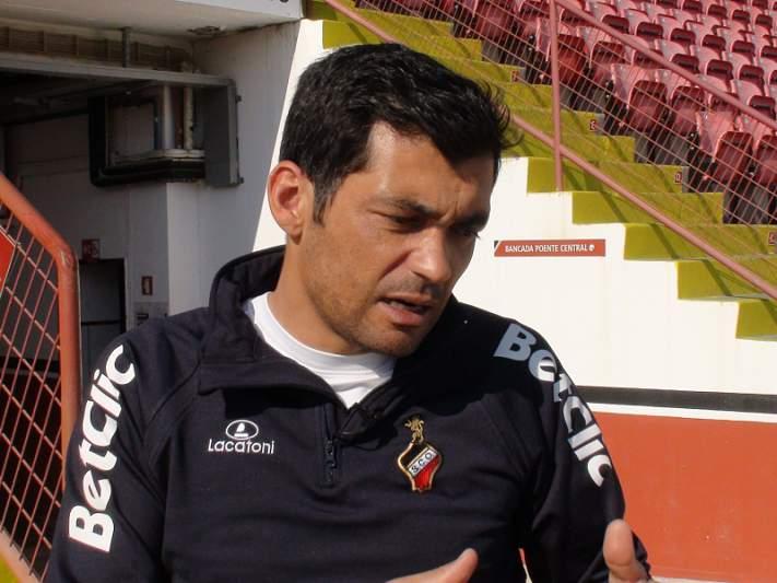 Sérgio Conceição mantém-se no Olhanense