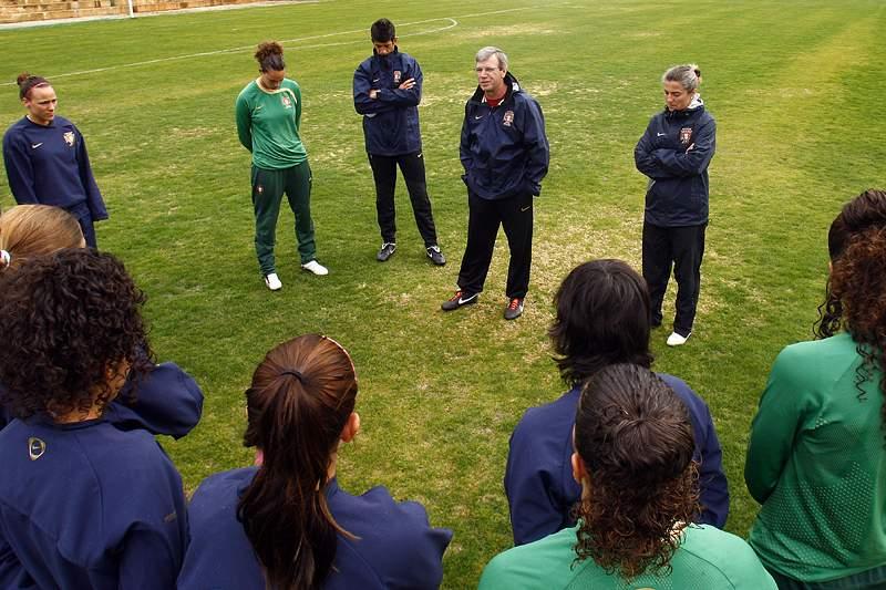 Seleção feminina perde com o Brasil