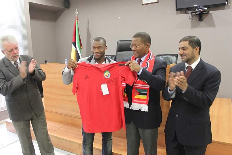 Ministro dos Desportos recebe Mambas no seu gabinete