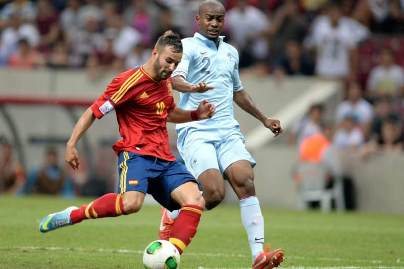 Espanha vence França e apura-se para os oitavos