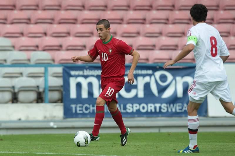 UEFA diz que Bernardo Silva é um dos «talentos a observar»