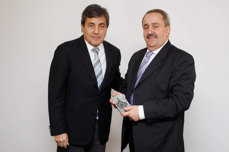 Fernando Gomes recebe Federação de Gibraltar