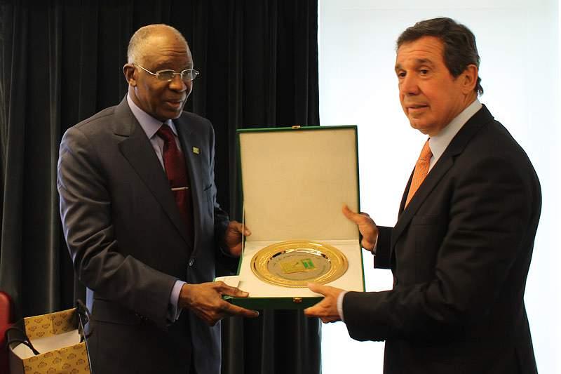 Humberto Coelho recebe Ahmed Eid Al Harbi
