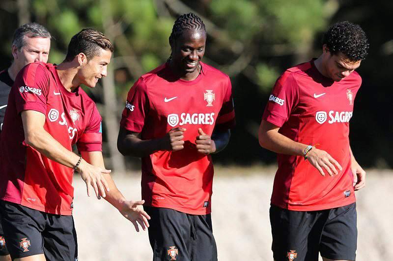 Pepe e Ronaldo treinam sem limitações
