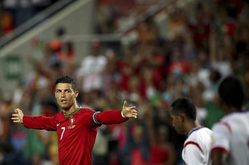 Nélson Oliveira deu o mote e Ronaldo fechou em grande