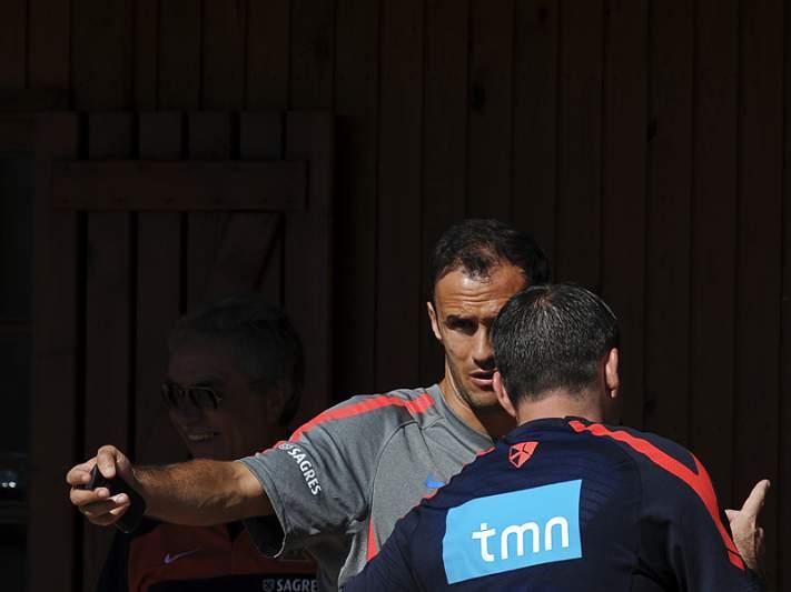 Ricardo Carvalho fica sem resposta