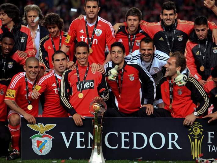 Benfica inicia defesa do título contra Olhanense, Académica e Moreirense