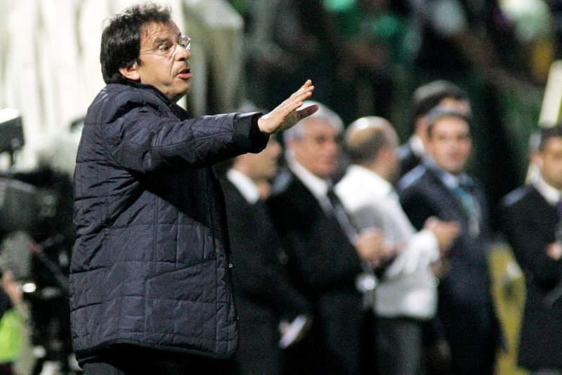Manuel Machado renova por mais uma época