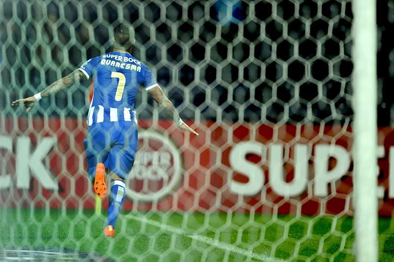 FC Porto vence ao intervalo com golo de Quaresma