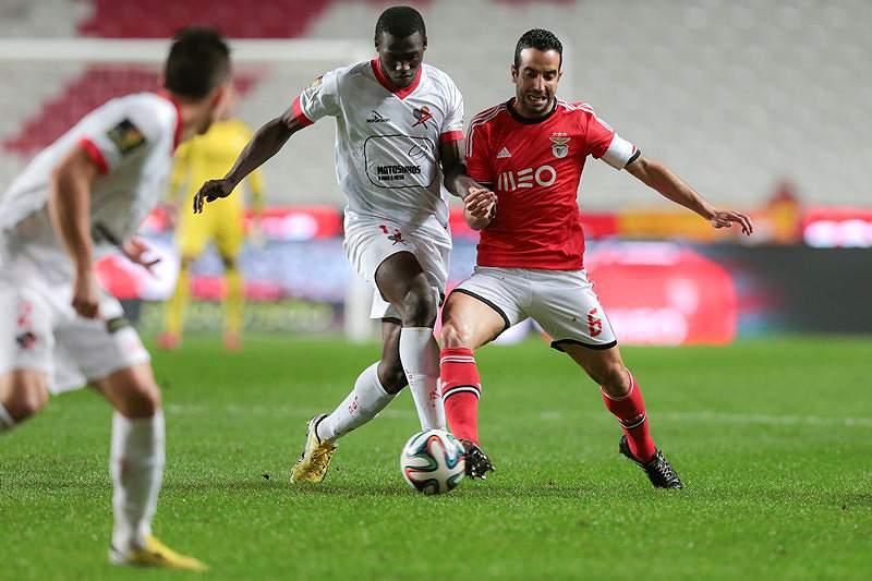 Benfica garante presença nas 'meias'