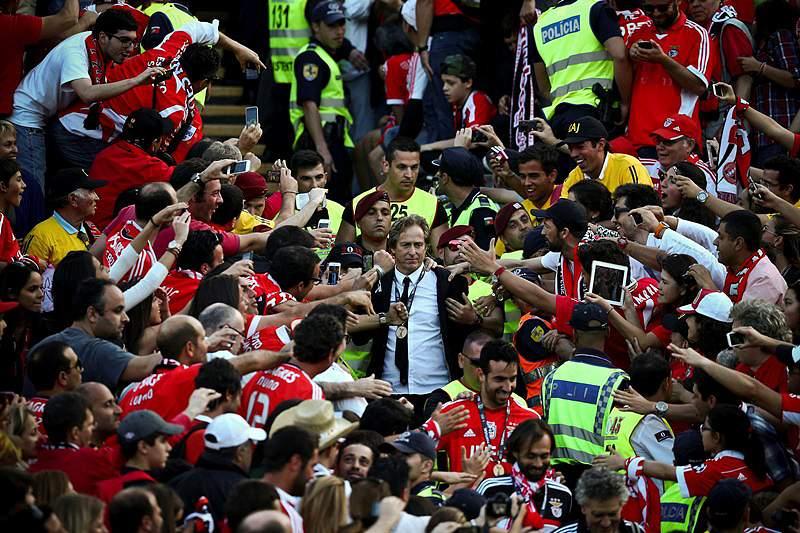Pinto da Costa quer Jesus fora do Benfica