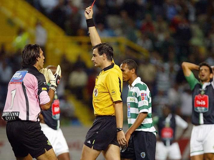 Paulo Baptista arbitra Sporting-Nacional