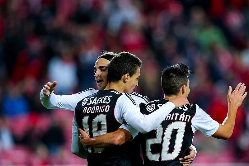 Benfica passeia para os 'quartos' da Taça
