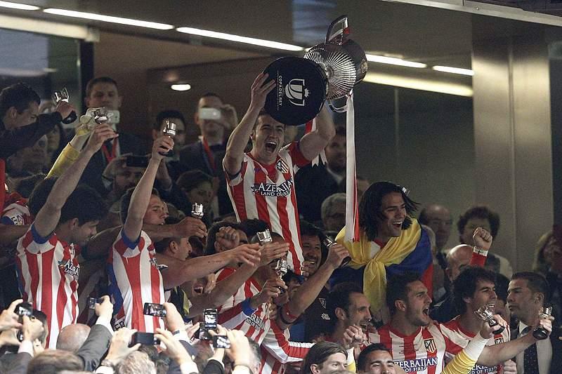 17 anos depois, Atlético de Madrid levanta a Taça do Rei