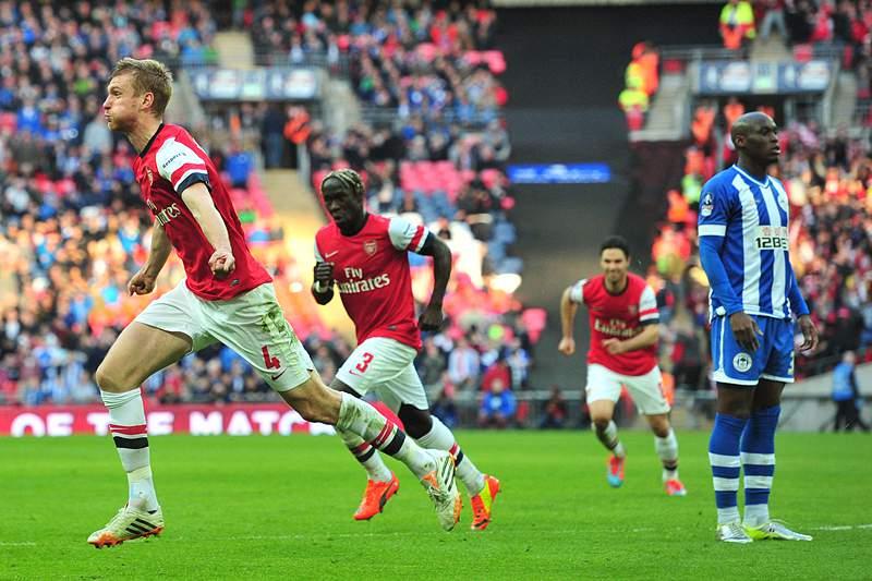 Arsenal na final após sofrer frente ao Wigan