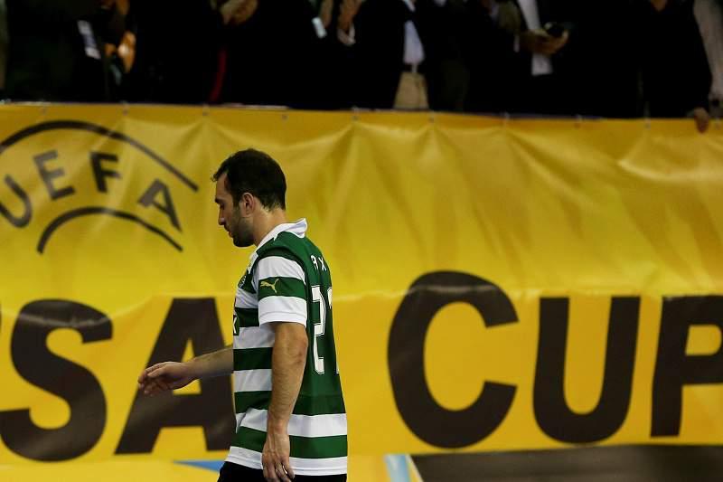 Alex decisivo no triunfo do Sporting