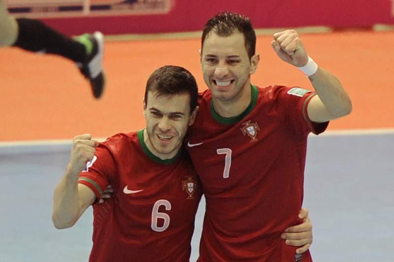 Portugal perde com o Brasil mas chega aos oitavos
