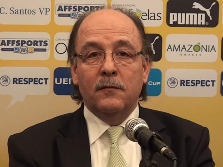 """Português Artur Melo, treinador do Gyori, quer """"fazer peito"""" ao Sporting"""
