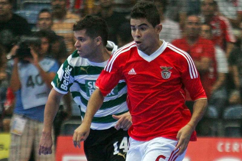 Benfica e Leões de Porto Salvo medem forças na Luz