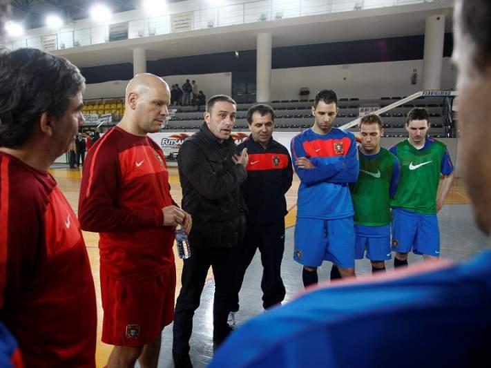 Paulo Bento impressionado com treino de futsal