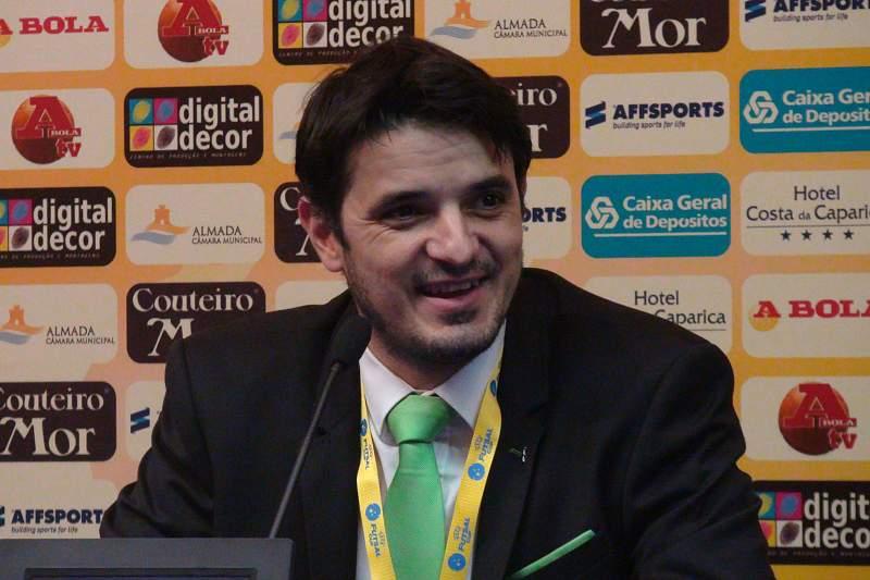 Treinador do Sporting contra euforias