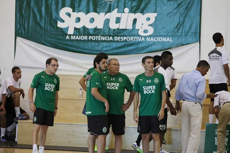 Sporting goleia Académica e regressa ao segundo lugar