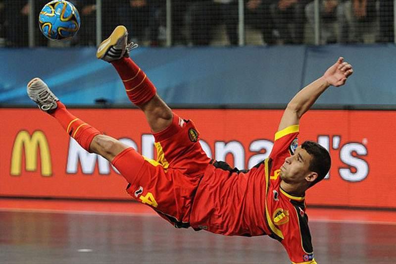 Jogador belga suspenso 10 jogos