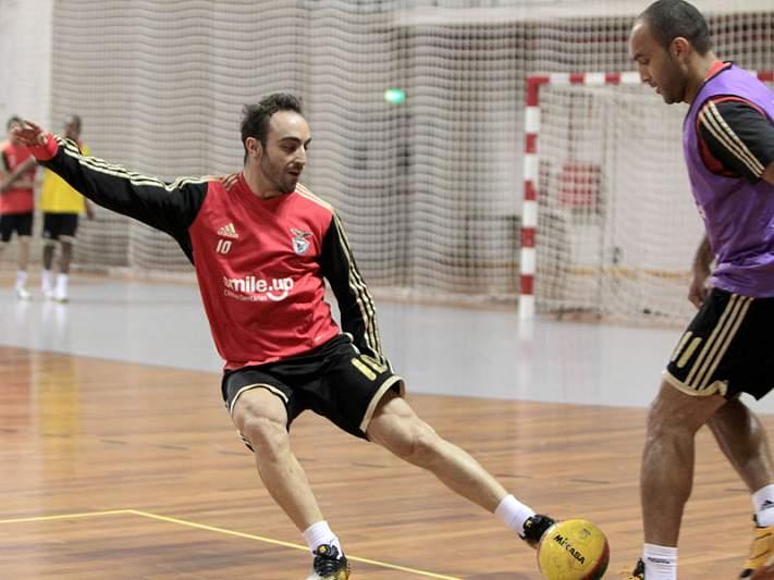 Benfica e Freixieiro lutam por lugar na final