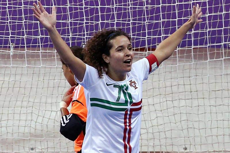 Seleção feminina inicia Mundial frente à Costa Rica