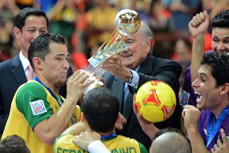 Vinicius renuncia à seleção brasileira
