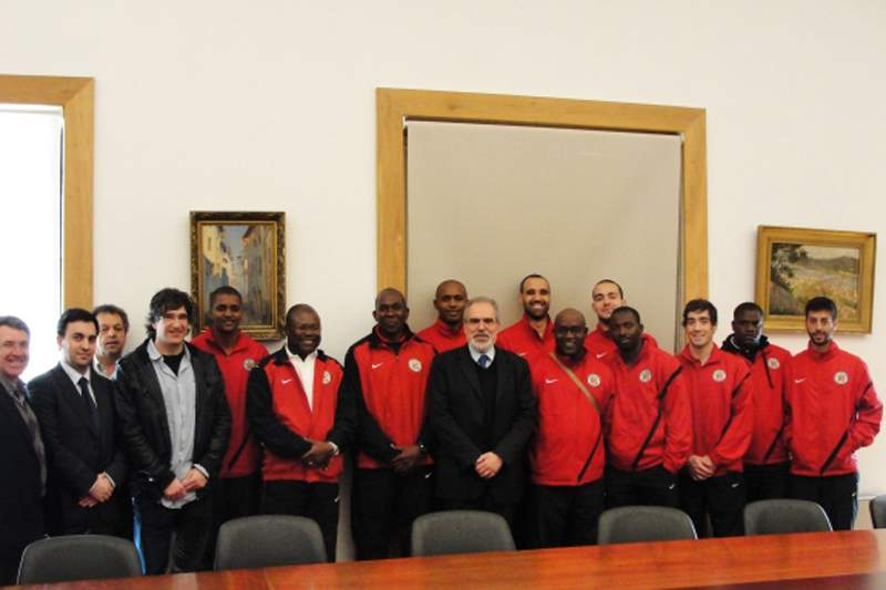 Angola goleia Suíça e faz pleno em Montreux