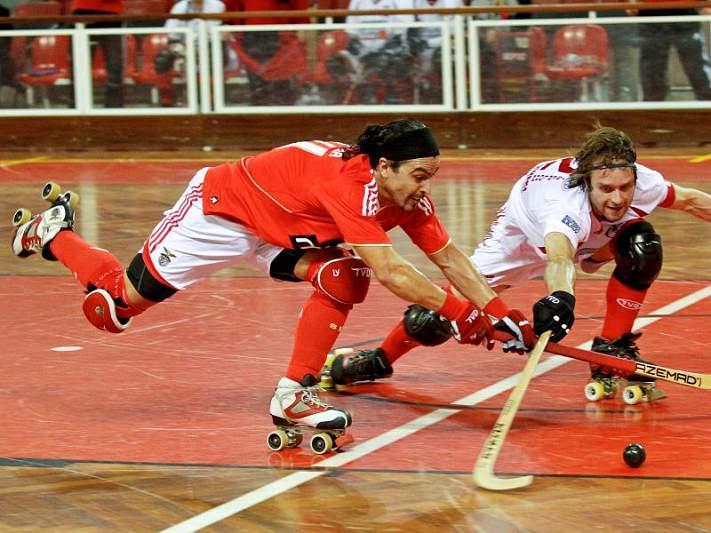Benfica vence na Alemanha e assume liderança do grupo D