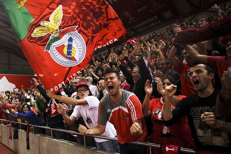 Benfica - Valongo adiado para 26 de maio