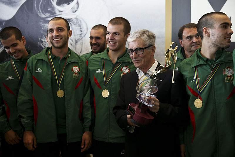 Campeões mundiais de sub-20 recebidos em festa