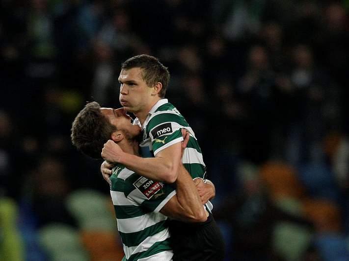 Sá Pinto não abre mão de Capel e Izmailov