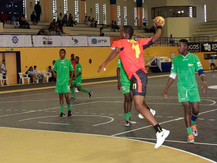 Angola vence Gabão na 1ª jornada