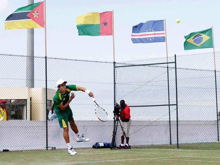 Cabo Verde e Brasil dominam primeiro dia de ténis