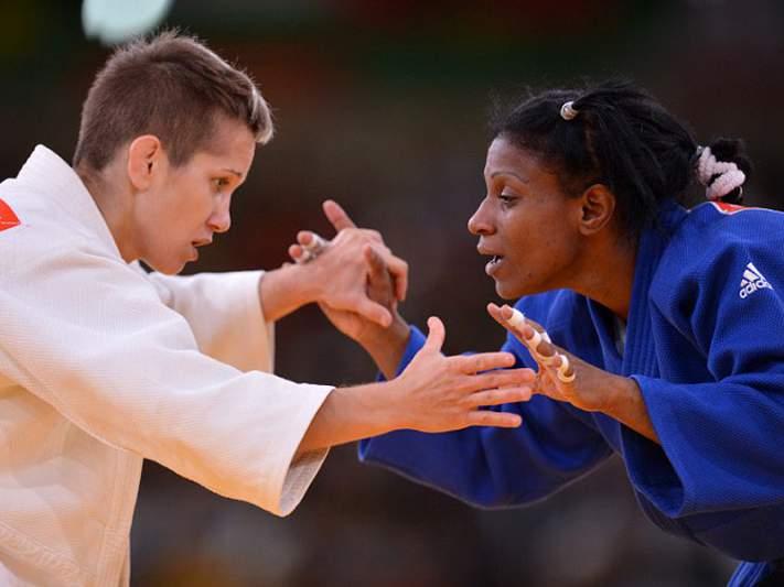 Judoca grega diz ter sido mordida por adversária