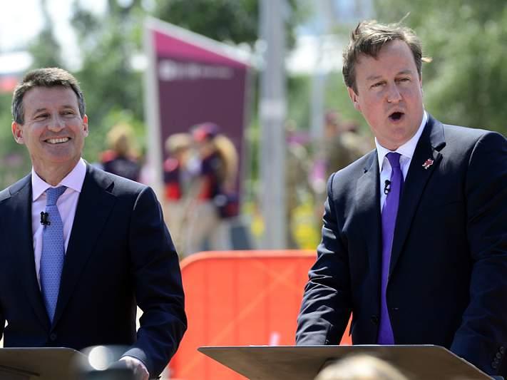 Cameron recusa homenagem na cerimónia de abertura