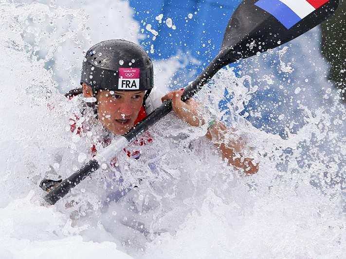 Francesa Emilie Fer conquista ouro em K1