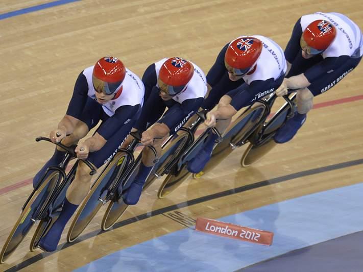 Ouro e recorde para Grã-Bretanha em perseguição masculina por equipas