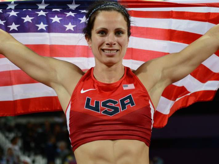 Jennifer Suhr conquista ouro no salto com vara