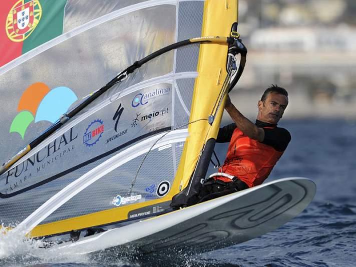 João Rodrigues satisfeito com reintegração olímpica do windsurf