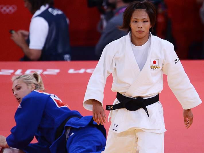 Matsumoto sagra-se campeã olímpica de -57kg