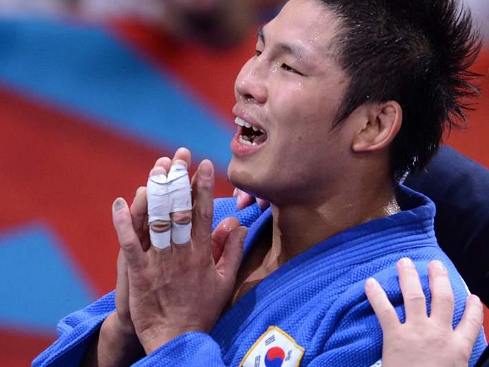 Kim Jae-bum vence ouro na categoria -81 kg