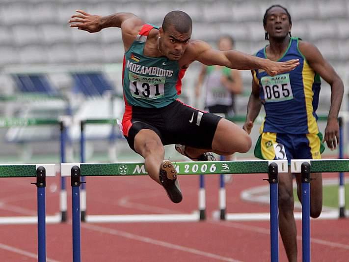 Kurt Couto nas meias-finais dos 400 m barreiras