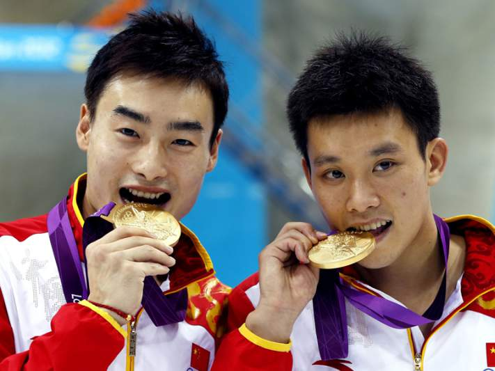 Chineses Qin e Luo conquistam ouro